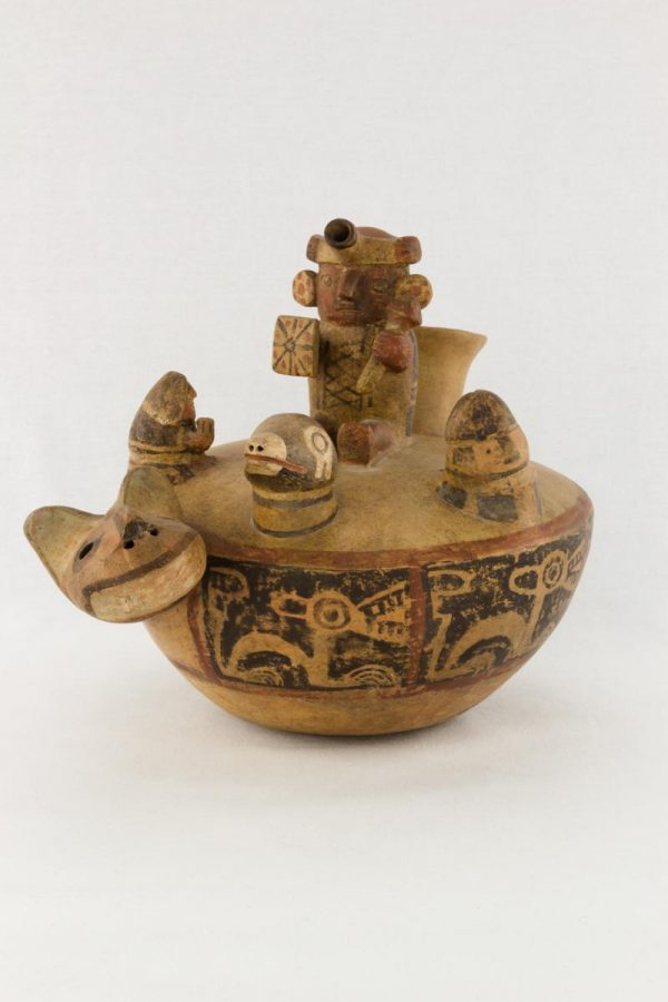 UCLA Fowler Museum Collection: X88.846 Recuay vessel angle view